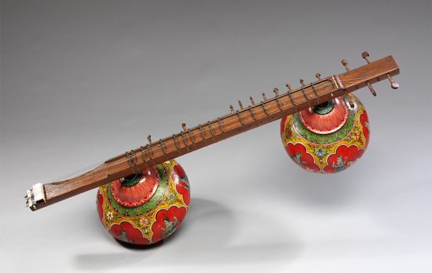 http://www.vam.ac.uk/content/exhibitions/display-musical-wonders-of-india/bin-sitar/